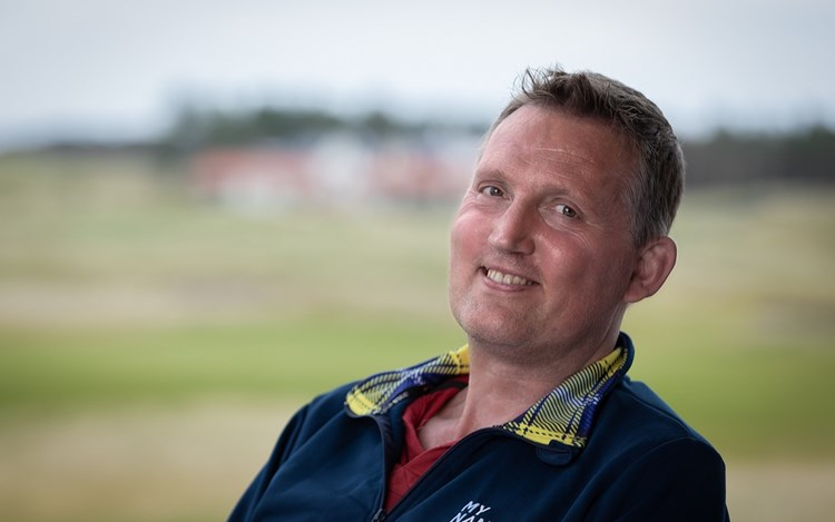 Doddie digs deep for families living with MND